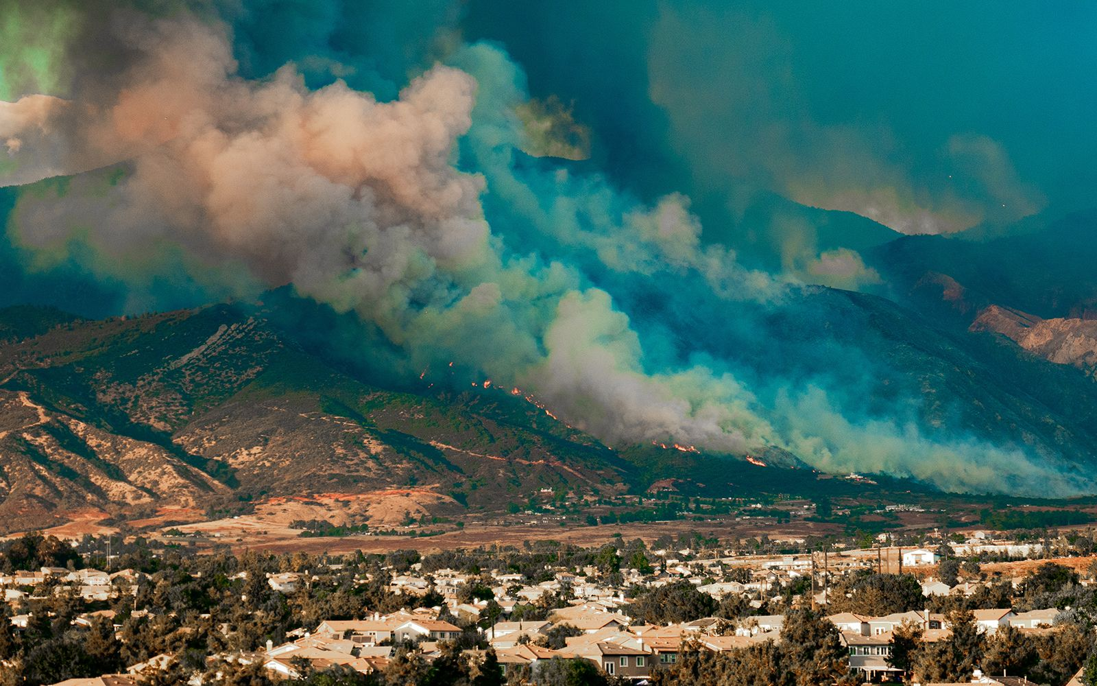 Drought Shifts Wildfire's Fault Lines Into No Man's Land Buys